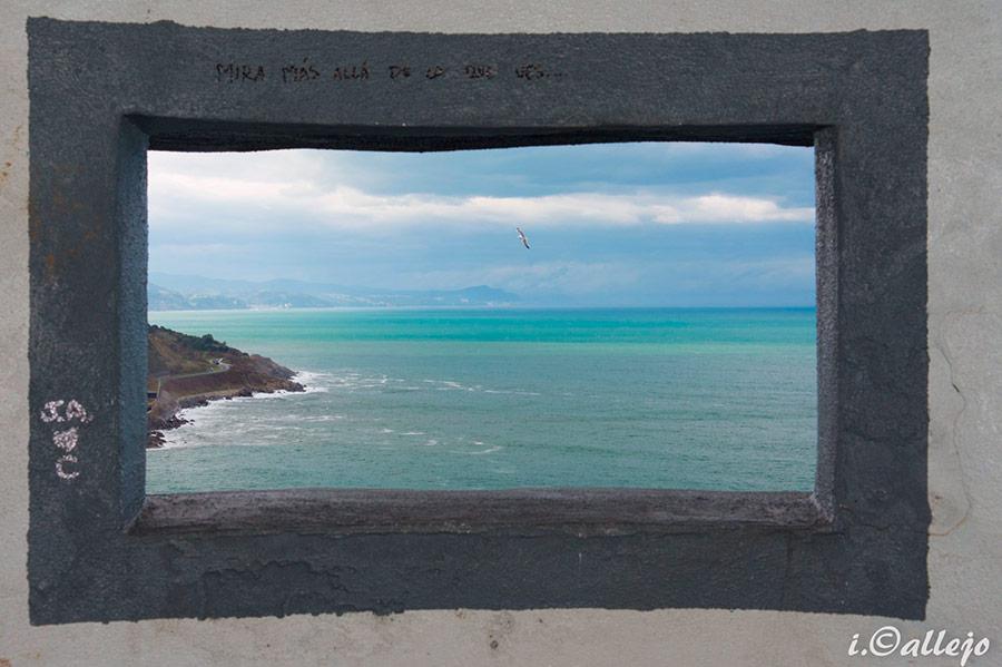 Fotografía reto 14: Enmarcado natural, José Ignacio Callejo: Mira más allá de lo que ves...