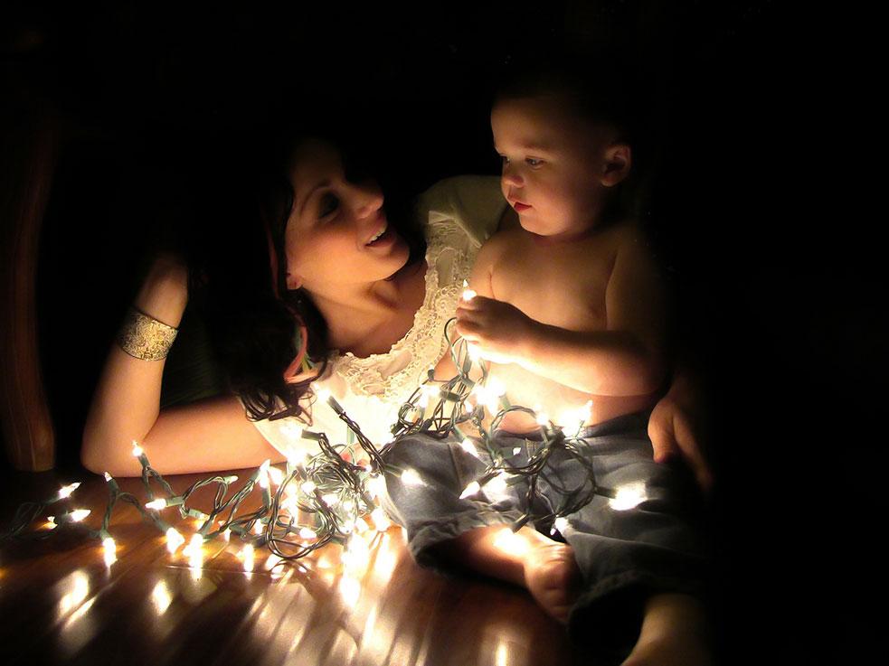 Fotografía de Navidad, madre e hijo