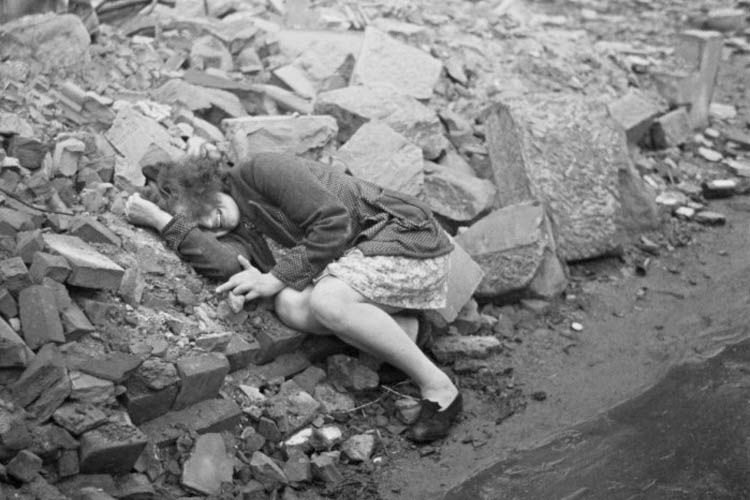 Fotografía de Henri Cartier-Bresson, Dessau (Alemanía, 1945)