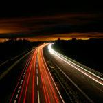 Fotografía nocturna líneas curvas