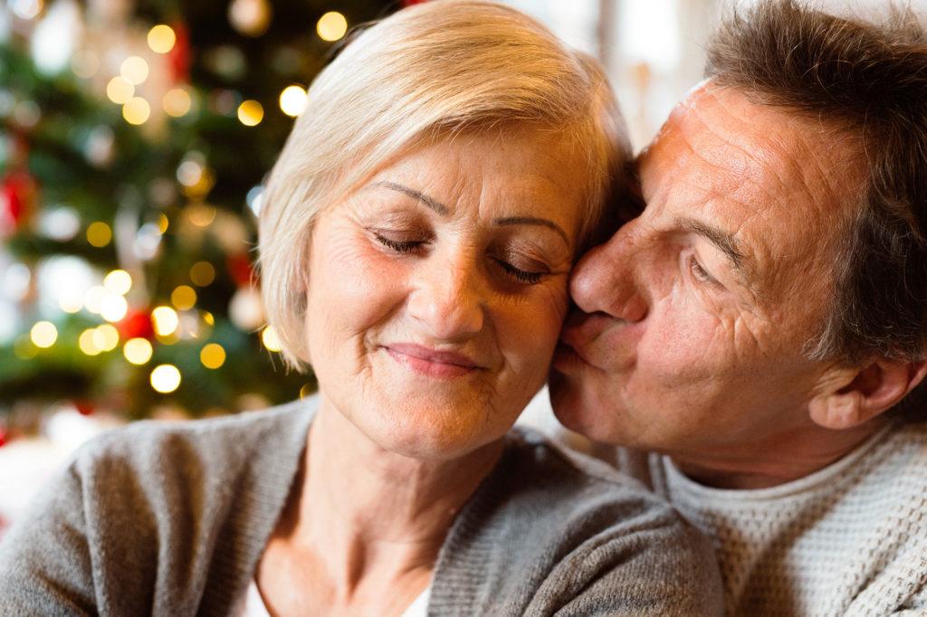 Besos, cariño en navidad